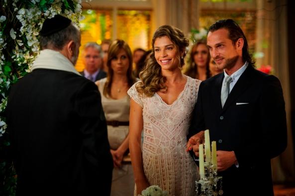 Casamento de Ester ( Grazi Massafera ) e Alberto ( Igor Rickli ) - Crédito: TV Globo/Alex Carvalho